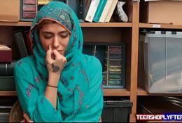 Hot Muslim Hijab Teen Shoplyfter Caught & Harassed